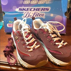 Skechers Shoes - Sketchers D'Lites Rose Blooms Burgundy